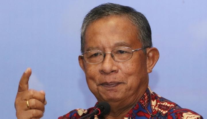 Foto Berita Menteri Darmin Bertolak Belakang dengan Jokowi?