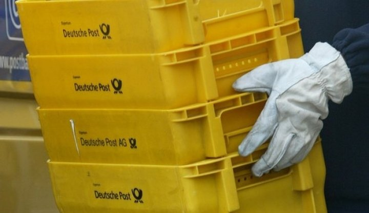 Waspada! Kemkominfo Peringatkan Potensi Penyebaran Virus Lewat Barang Kiriman - Warta Ekonomi