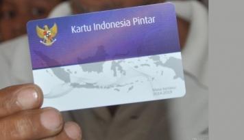 Foto Penyaluran Kartu Indonesia Pintar Belum Tuntas