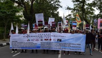 Foto Dewan Pengupahan Ajukan UMP DKI Jakarta Rp 3,3 Juta