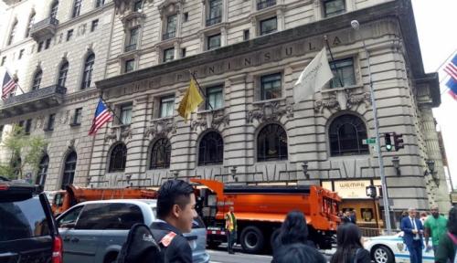 Foto Wall Street Turun di Tengah Laporan Laba Bervariasi