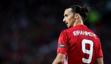 Foto Manchester United Menang 2-0 Lawan 10 Pemain West Ham