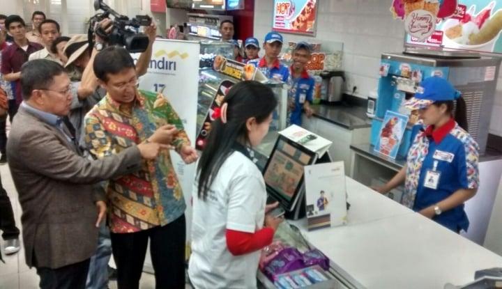 Foto Aprindo Hentikan Program Kantong Plastik Berbayar