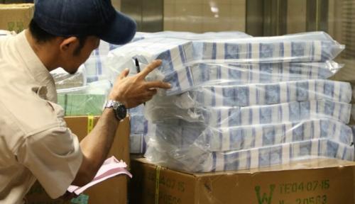 Foto BI Maluku Salurkan Uang Baru Rp10 Miliar