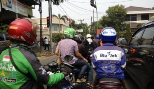 Foto Presiden Jokowi Imbau Ini ke Ojol
