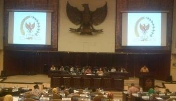 Foto Jawab Tudingan Wakil Ketua, MK Tegaskan Larang Pengurus Parpol Jadi Anggota DPD