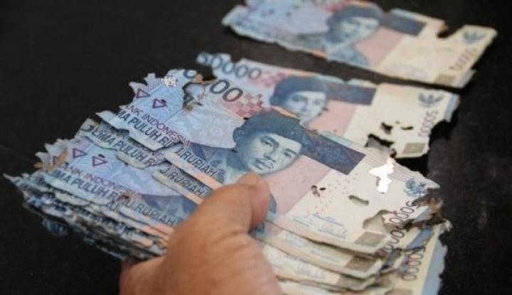Pegang Uang di Tengah Resesi, Pentingkah?