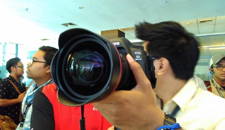 Foto Berita Buat Para Vlogger Zaman Now, Canon EOS M100 Layak Dipertimbangkan