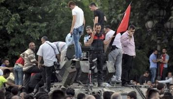 Foto Turki Tahan Puluhan Pekerja IT Terduga Kudeta Gagal