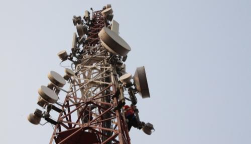 Foto Telkomsel Bangun 753 BTS di Perbatasan