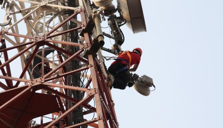 Menghidupkan Sinyal Komunikasi di Teluk Bintuni | Untold Story of Telkomsel - Warta Ekonomi
