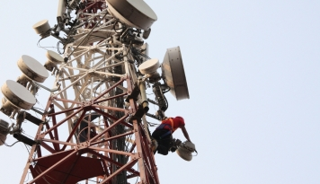Foto Dinas Ketertiban Sudah Dua kali Ingatkan Menara Telekomunikasi yang Tak Berizin