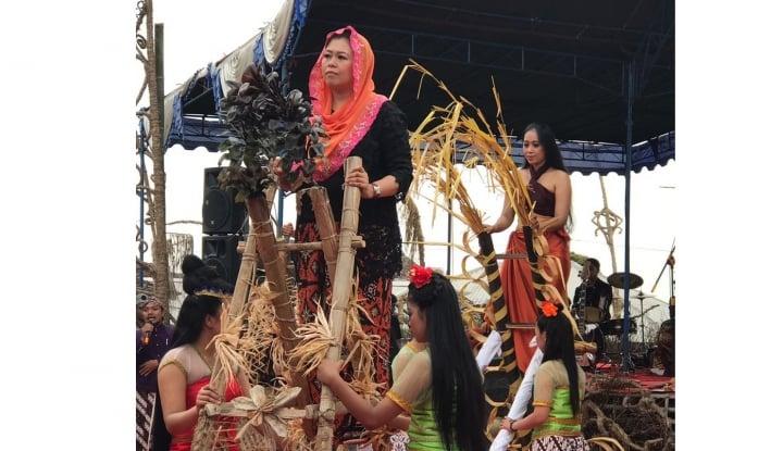 Foto Berita Diajak Masuk Tim Prabowo, Jawaban Yenny Wahid 'Mantap'