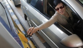 Foto Pengguna E-Tol di Indonesia Baru 29 Persen