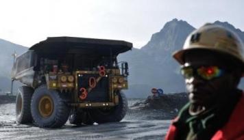 Foto DPR: Freeport Harus Patuhi Amanat UU Minerba