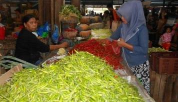 Foto Cabai Impor Beredar di Pasar Indramayu