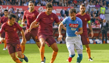 Foto Napoli dan Roma Jaga Peluang Juara Liga Italia
