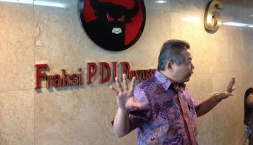 Foto Baliho Demokrat dan PDIP Dirusak, Hendrawan: Ada Pihak 'Mengail Ikan di Air Keruh'