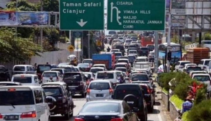 Foto Berita Pertamina Siapkan 9 Tangki BBM di Jalur Macet Mudik
