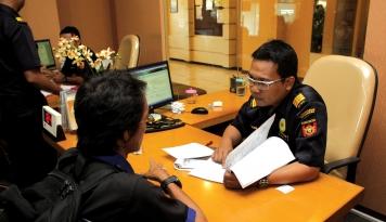 Foto PNBP Turun 52 Persen Akibat Kebijakan Bebas Visa