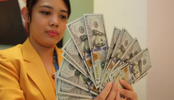 Foto Jumat pagi Dolar dibuka Melemah