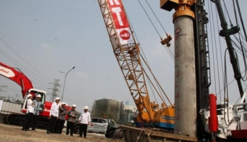 Foto Darmin: Pemerintah Percepat Pembangunan 5 Jalan Tol