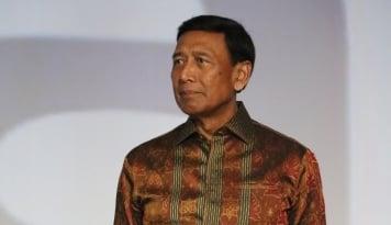 Foto Wiranto Enggan Bahas Kasus Habib Rizieq, Kenapa ya?