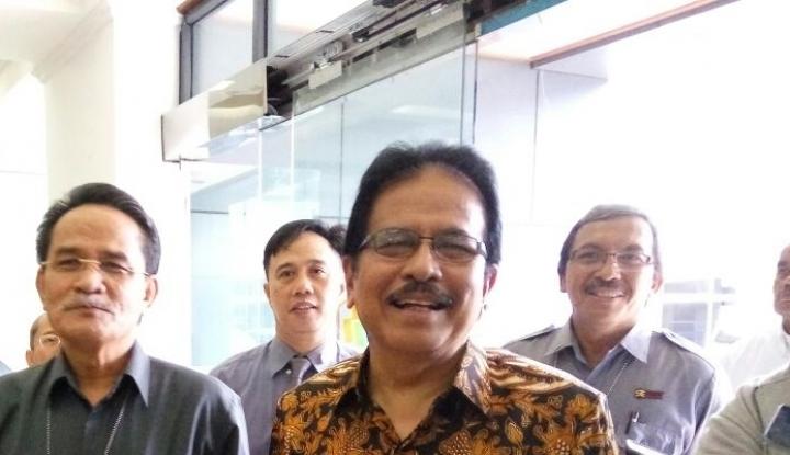 Foto Berita Menteri Sofyan Serahkan 24.000 Sertifikat Tanah di Sumbar