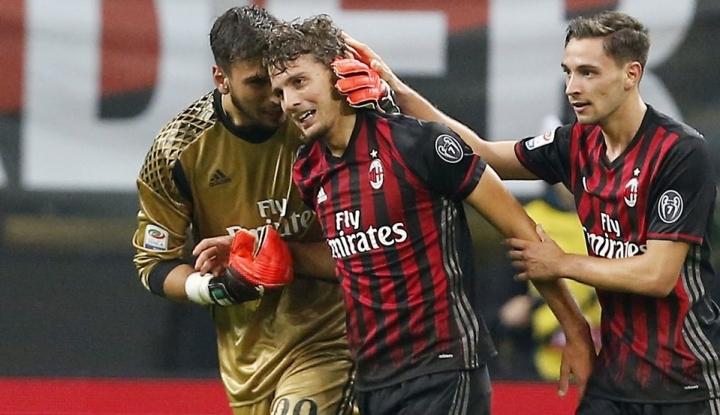 Foto Berita AC Milan Bangkit di Pekan ke-14