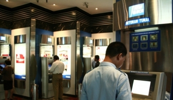 Foto Perbankan di Bali Siapkan Tim Khusus Pantau ATM