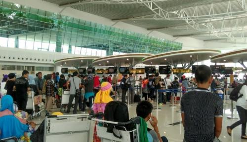 Foto Libur Panjang, Aktivitas Bandara Hang Nadim Normal