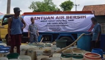 Foto Palu Krisis Air Bersih, Gorontalo Kirim Truk Tanki ke Pengungsian