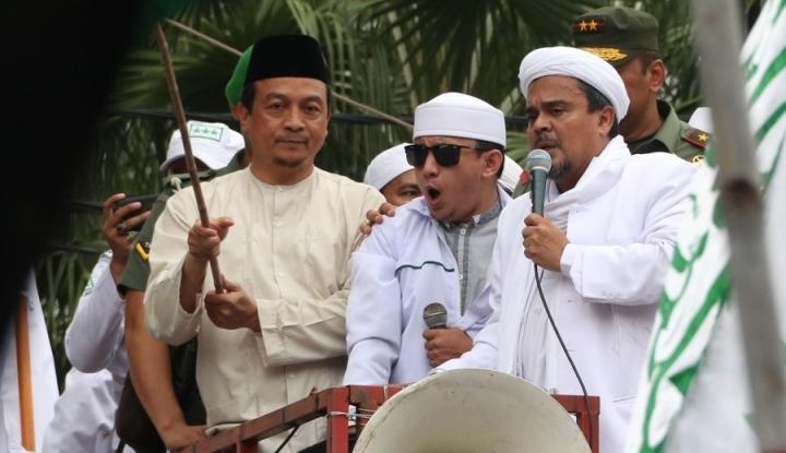 Foto Berita Hasil Survei Habib Rizieq Jadi 'Ulama Panutan', Muhammadiyah Malah Khawatir