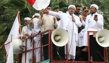 Foto Habib Rizieq: Kapolda yang Bersalah Harus Diproses Propam