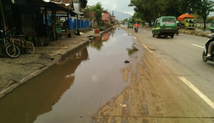 Foto Berita Banjir Melanda Solok, Tujuh Jembatan Rusak