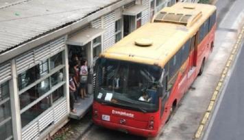 Foto Transjakarta Alami Kecelakaan di Jaksel