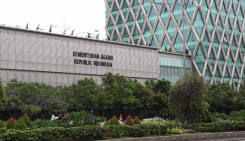 Foto Kemenag: Biaya Umroh Minimal Rp20 Juta