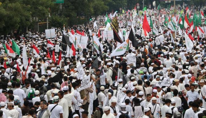 Foto Berita Reuni 212 Lancar, Bukti Jokowi Pro Islam?