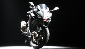 Foto Ditopang CB150R, Penjualan Motor Sport Honda Naik 27,8%