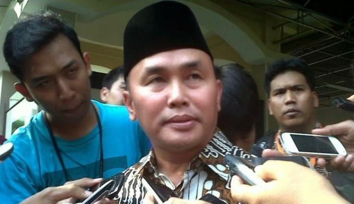 Viral Lempar Botol ke Stadion, Gubernur Kalteng Punya Kekayaan Rp112 Miliar - Warta Ekonomi