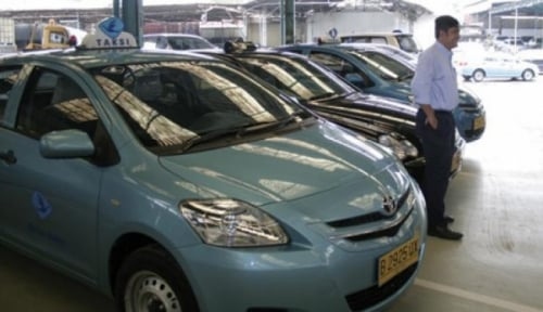 Foto Aturan Taksi Online Segera Berlaku, Begini Respons Saham Perusahaan Taksi Konvensional