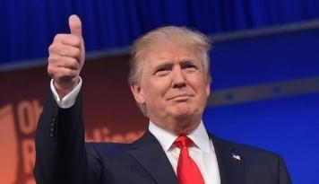 Foto Trump: Arab Saudi Akan Bayar Pembangunan Kembali Suriah
