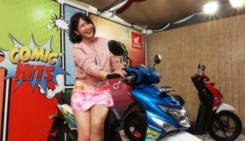 Foto AXA Kampanyekan Keselamatan Berkendara bagi Kaum Hawa