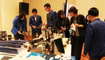 Foto HSBC Indonesia dan Sampoerna Foundation Gelar Lokakarya Keuangan
