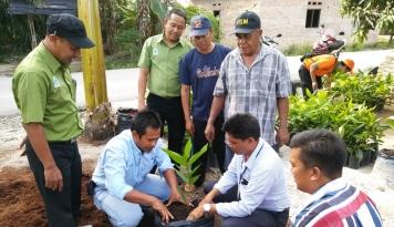 Foto Ketika RAPP Sebarkan Bibit Jambu Air ke Masyarakat