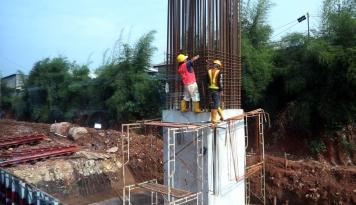 Foto Bangun Prasarana LRT, Adhi Karya Peroleh Kontrak Rp 23,39 Triliun