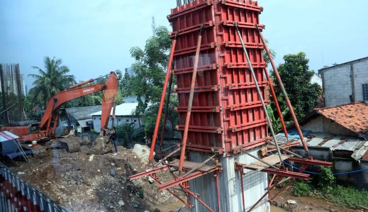 Foto Berita Program Infrastruktur Jokowi Mangkrak Menteri PUPR Layak Dicopot