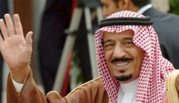 Foto Wah, Raja Saudi Bawa 1.500 Orang ke Indonesia