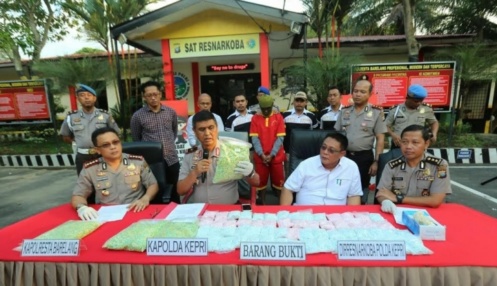 Foto Berita Edarkan 19.000 Ekstasi, 4 Terdakwa Terancam Hukuman Seumur Hidup