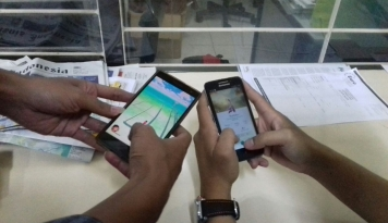 Foto Sempat Booming, Sekarang Pokemon Go Dimainkan Oleh Lansia